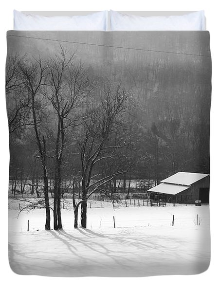 Duvet Cover featuring the photograph Winter In Boxley Valley by Michael Dougherty