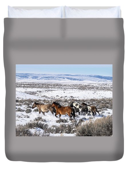 Winter In Sand Wash Basin - Wild Mustangs On The Run Duvet Cover