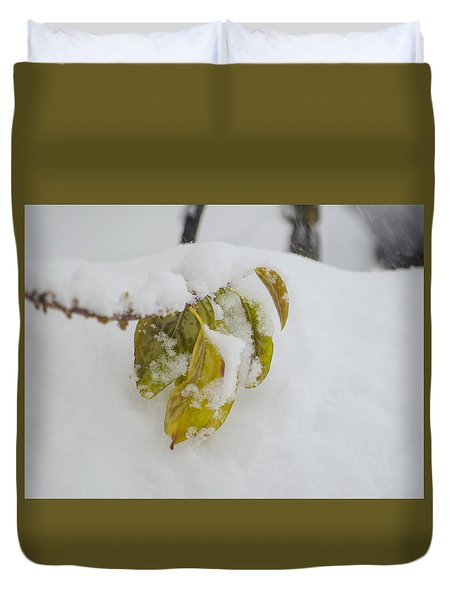 Duvet Cover featuring the photograph Winter Leaves by Deborah Smolinske