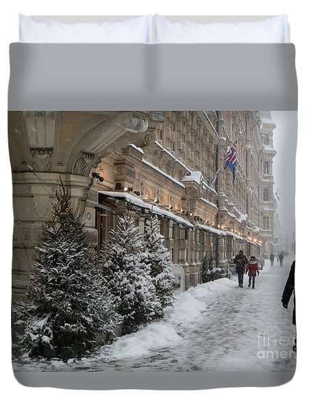 Winter Stroll In Helsinki Duvet Cover