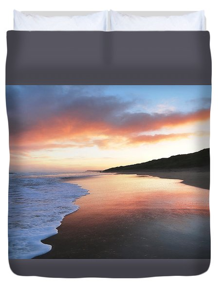 Duvet Cover featuring the photograph Winter Sunrise by Roy McPeak