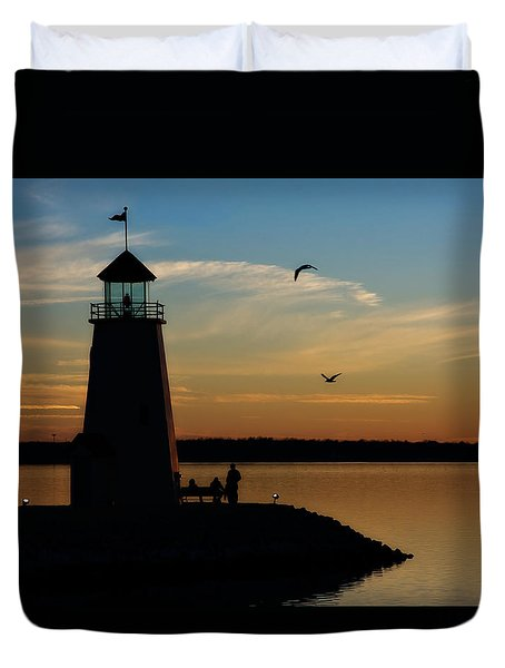 Winter Sunset At East Warf Duvet Cover