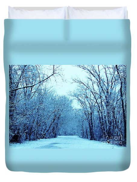 Wisconsin Frosty Road In Winter Ice Duvet Cover