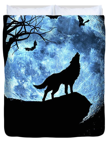 Wolf Howling At Full Moon With Bats Duvet Cover