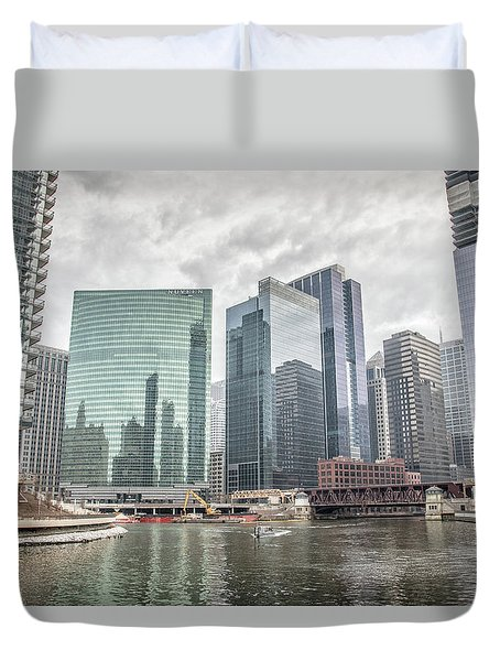 Duvet Cover featuring the photograph Wolf Point Where The Chicago River Splits by Peter Ciro
