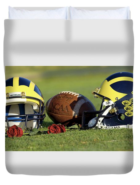 Wolverine Helmets And Roses Duvet Cover