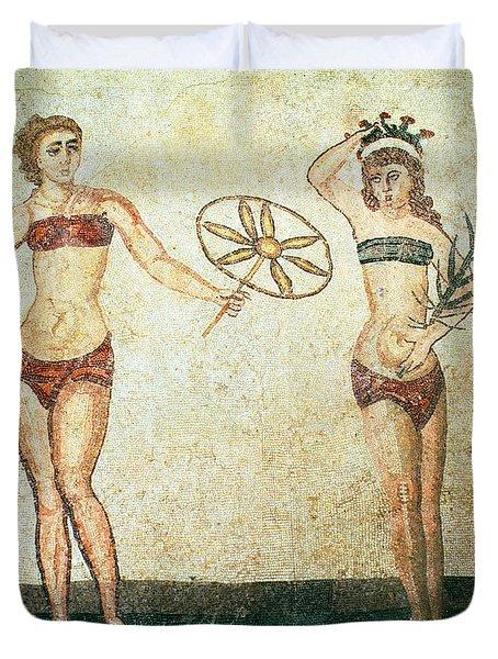 Women In Bikinis From The Room Of The Ten Dancing Girls Duvet Cover