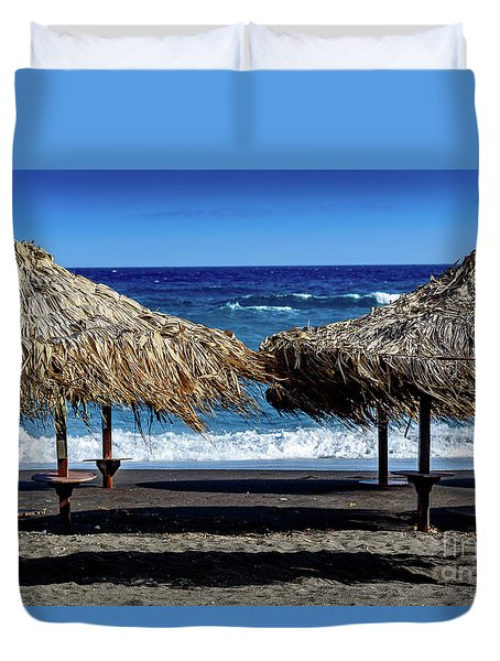Wood Thatch Umbrellas On Black Sand Beach, Perissa Beach, In Santorini, Greece Duvet Cover