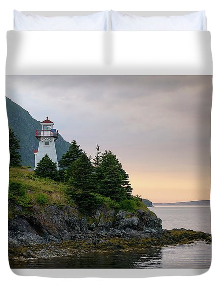 Woody Point Lighthouse - Bonne Bay Newfoundland At Sunset Duvet Cover