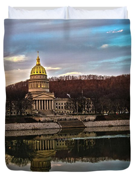 Wv State Capitol At Dusk Duvet Cover