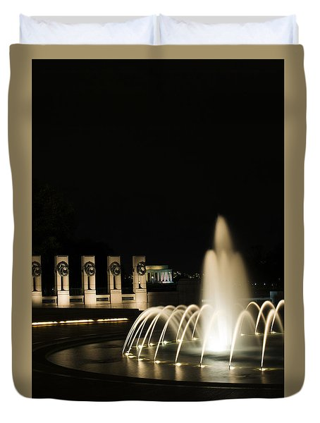 Duvet Cover featuring the photograph Wwii Memorial Fountain by Angela DeFrias