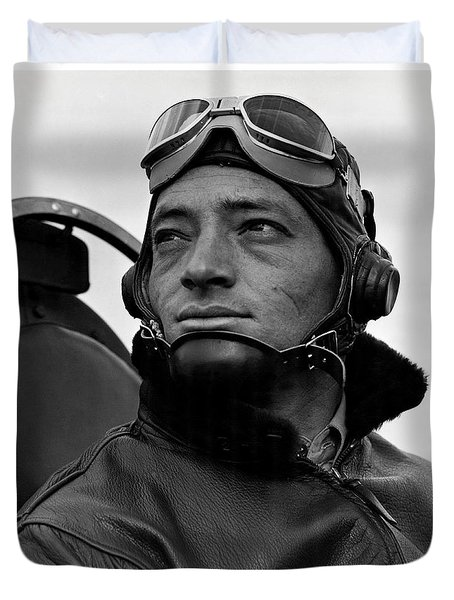Duvet Cover featuring the photograph Wwii Marine Corps Ace Major Smith by Historic Image