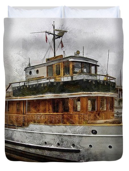 Duvet Cover featuring the photograph Yacht M V Discovery by Thom Zehrfeld