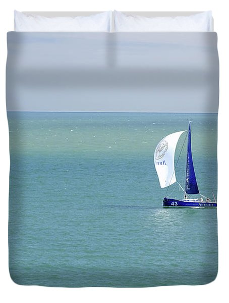 Yachts Sailing In Ventnor Bay Duvet Cover by Rod Johnson