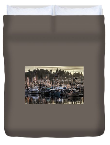 Duvet Cover featuring the photograph Yaquina Bay Boat Basin At Dawn by Thom Zehrfeld