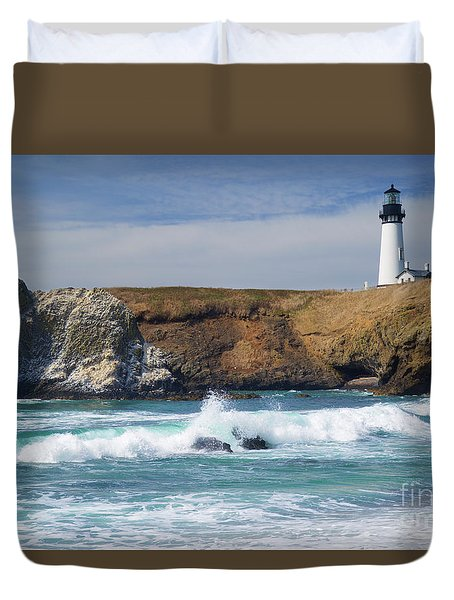 Yaquina Head Lighthouse On The Oregon Coast Duvet Cover