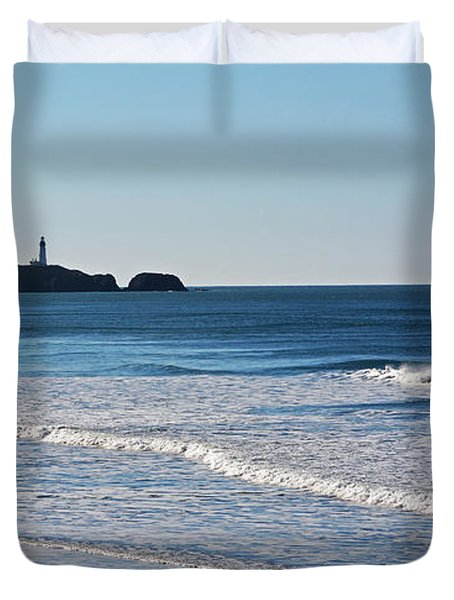 Yaquina Lighthouse And The Pacific Duvet Cover