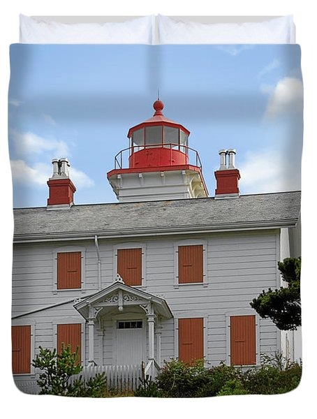 Yaquina Lighthouses - Yaquina Bay Lighthouse Oregon Duvet Cover by Christine Till