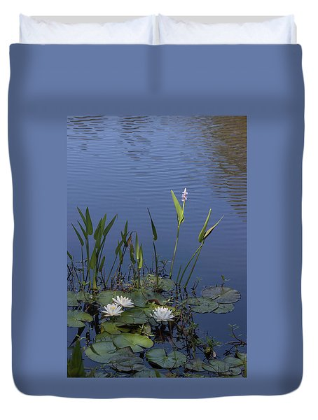 Yawkey Wildlife Reguge Water Lilies With Rare Plant Duvet Cover by Suzanne Gaff