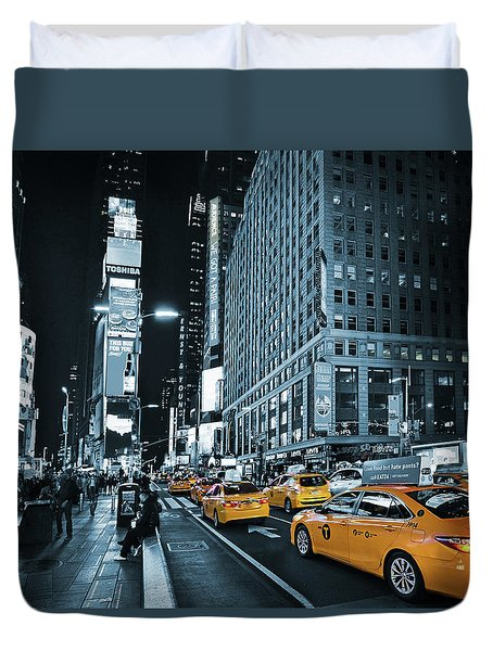 Yellow Broadway At Night - Nyc Duvet Cover