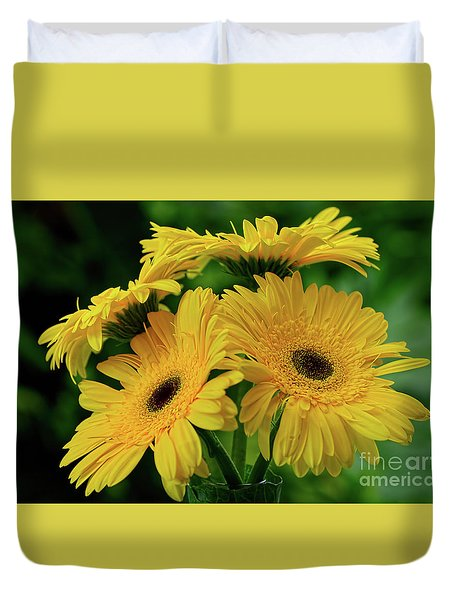 Duvet Cover featuring the photograph Yellow Chrysanthemums By Kaye Menner by Kaye Menner