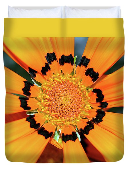 Duvet Cover featuring the photograph Yellow Gazania By Kaye Menner by Kaye Menner