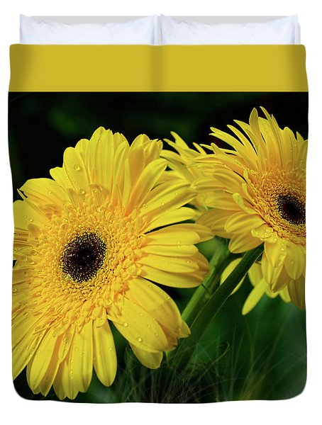 Duvet Cover featuring the photograph Yellow Gerbera Daisies By Kaye Menner by Kaye Menner