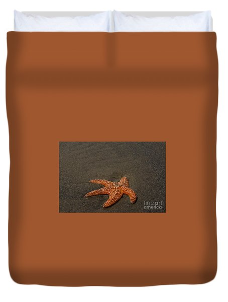Orange Starfish On Oregon Beach Duvet Cover