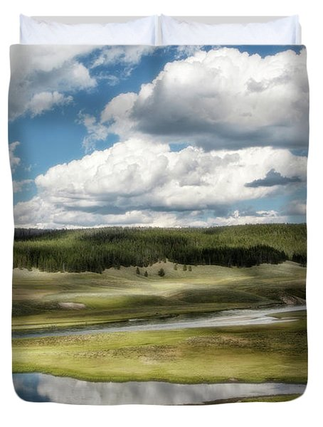 Yellowstone Hayden Valley National Park Wall Decor Duvet Cover