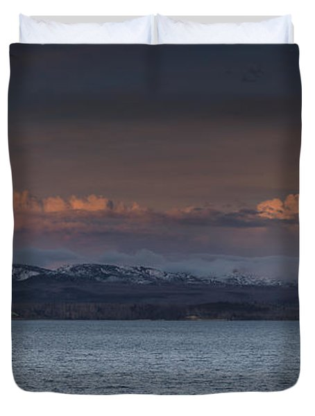 Yellowstone Lake At Sunset Duvet Cover