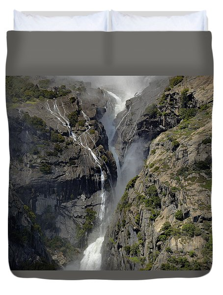 Yosemite Falls From The Four Mile Trail Duvet Cover