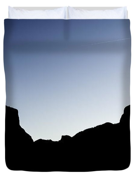 Yosemite In Silhouette Duvet Cover