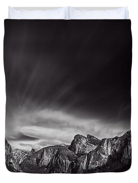 Yosemite Valley Duvet Cover by Ian Good