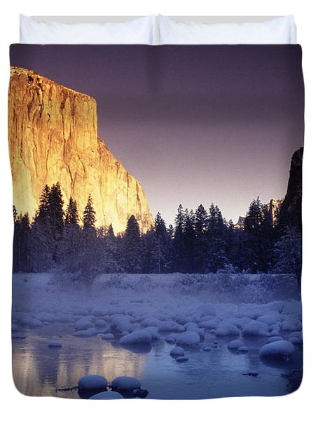 Yosemite Valley Sunset Duvet Cover by Michael Howell - Printscapes