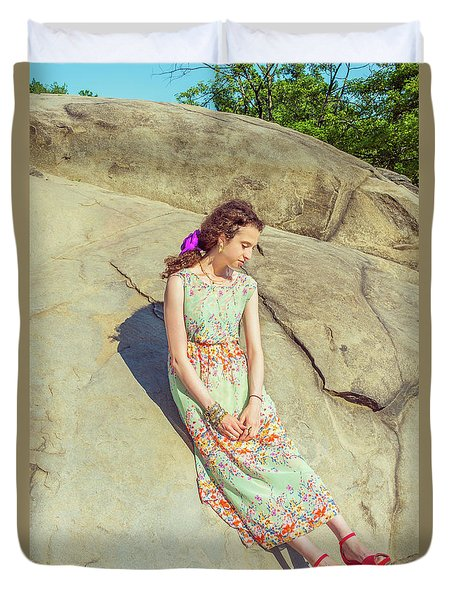 Young American Woman Summer Fashion In New York Duvet Cover