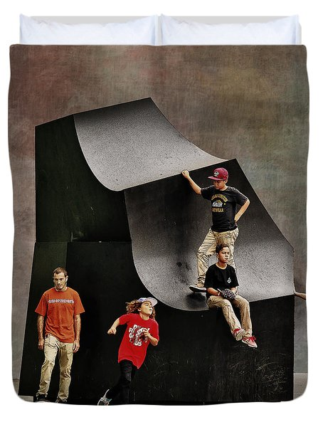 Young Skaters Around A Sculpture Duvet Cover by Pedro L Gili