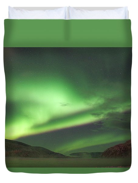 Duvet Cover featuring the photograph Yukon Northern Lights 2 by Phyllis Spoor