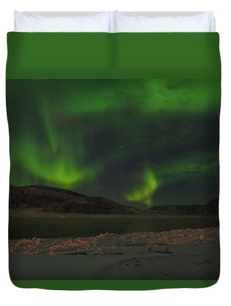 Duvet Cover featuring the photograph Yukon Northern Lights 5 by Phyllis Spoor