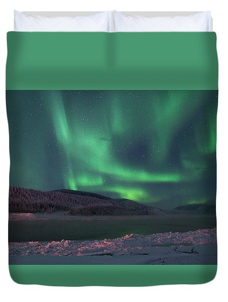 Duvet Cover featuring the photograph Yukon Northern Lights 8 by Phyllis Spoor