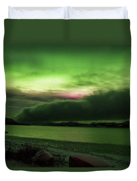 Duvet Cover featuring the photograph Yukon Northern Lights 9 by Phyllis Spoor