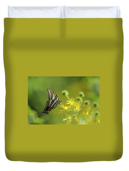 Duvet Cover featuring the photograph Zebra Swallowtail Butterfly by Lori Coleman
