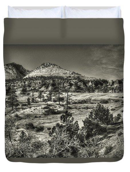 Zion National Park Along Rt 9 Duvet Cover