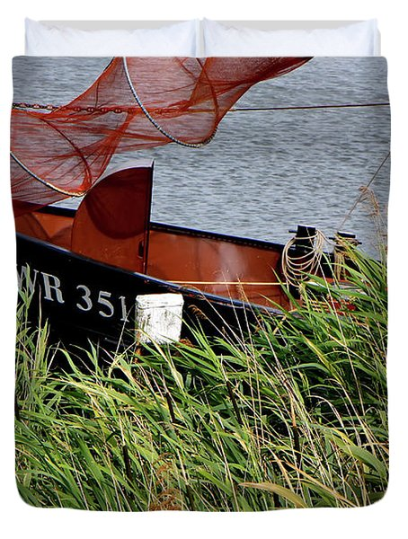 Duvet Cover featuring the photograph Zuiderzee Boat by KG Thienemann