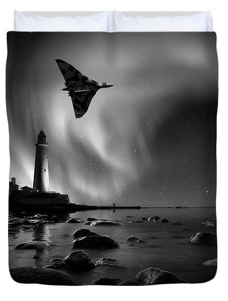 Auroral Splendour For The Vulcan Duvet Cover