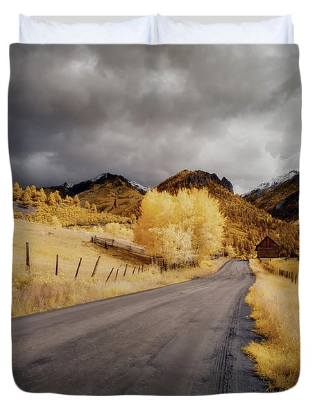 Back Road In Colorado Duvet Cover