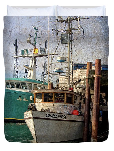 Duvet Cover featuring the photograph Challenge by Thom Zehrfeld