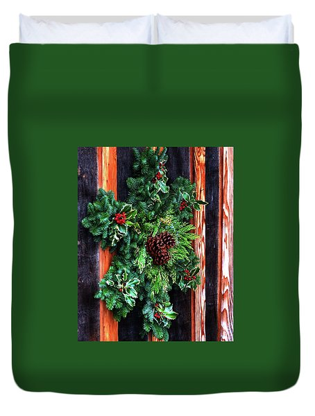 Duvet Cover featuring the photograph Christmas Wreath 20474 by Jerry Sodorff
