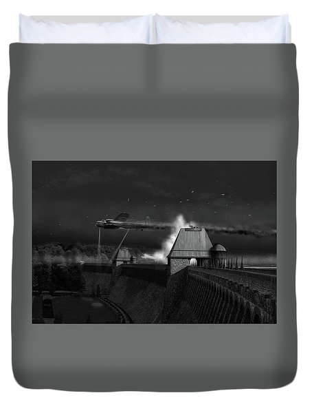 Duvet Cover featuring the photograph Hopgood's Last Run Black And White Version by Gary Eason