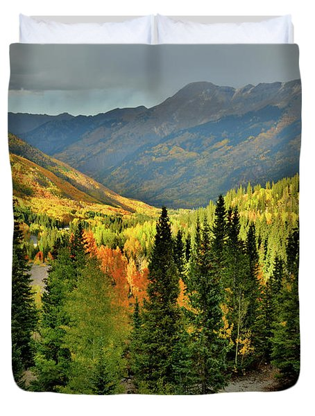 Looking North From Red Mountain Pass Duvet Cover