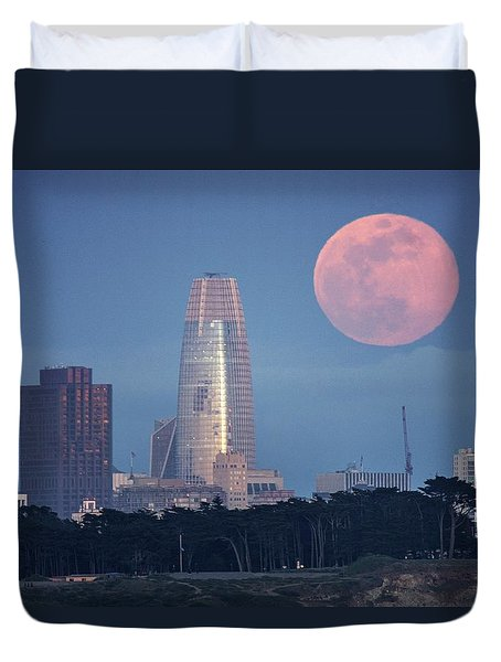 Duvet Cover featuring the photograph The Great Gig In The Sky by Quality HDR Photography